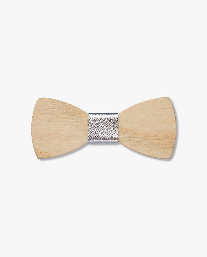 дървена папионка сребърна кожа