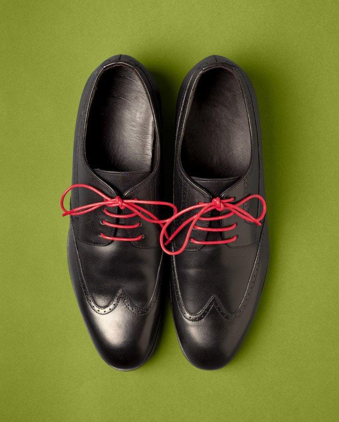 cherveni-vrazki-za-obuvki