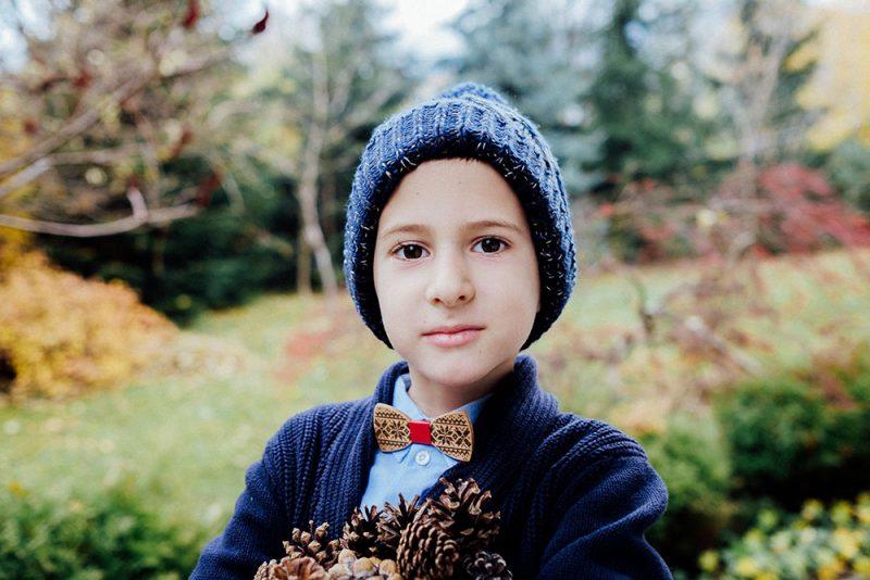 момче дървена папионка шевици