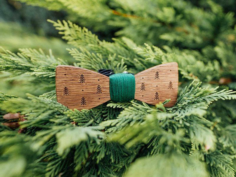 дървена папионка бор