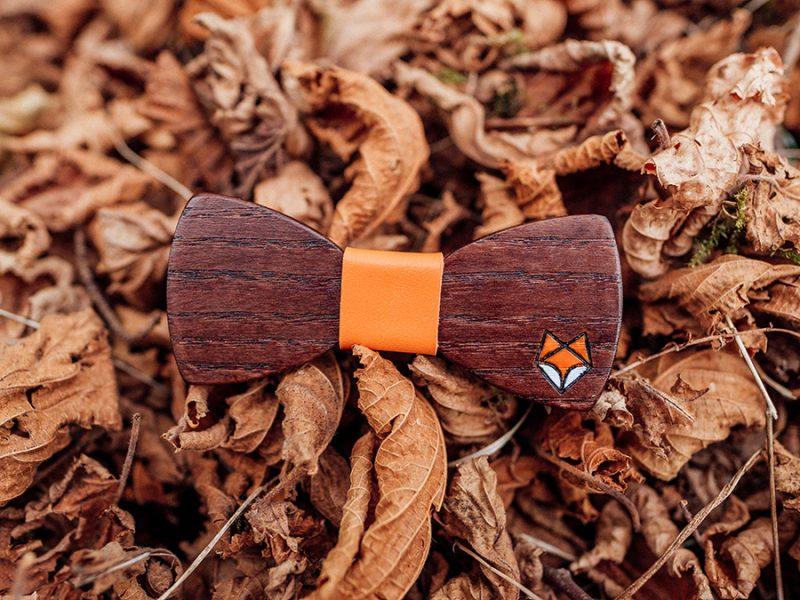дървена папионка лисица есен