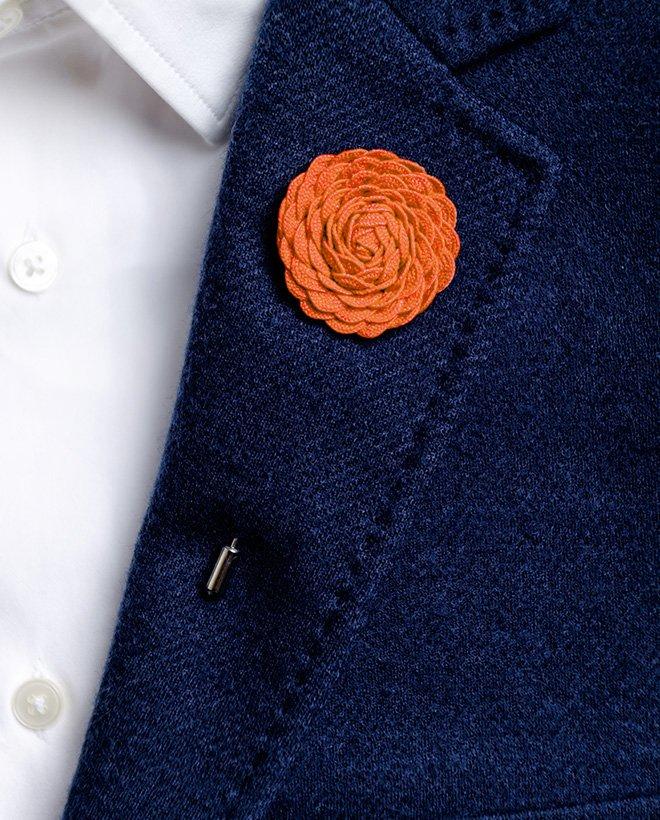 игла ревер оранжево цвете