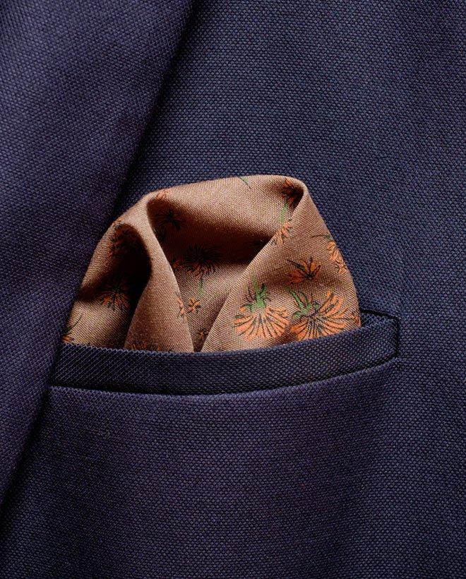 кафява джобна кърпичка цветя