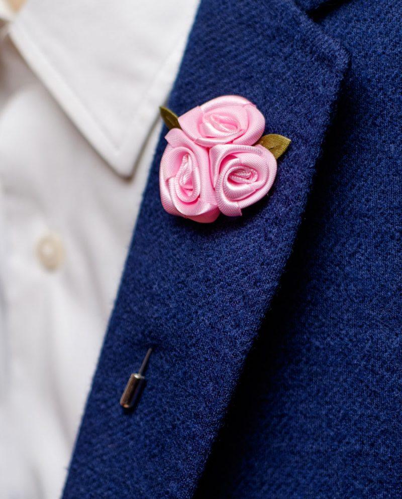 розови рози игла ревер