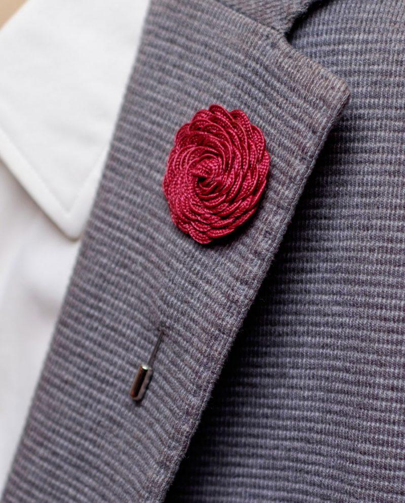 цвете бордо игла ревер