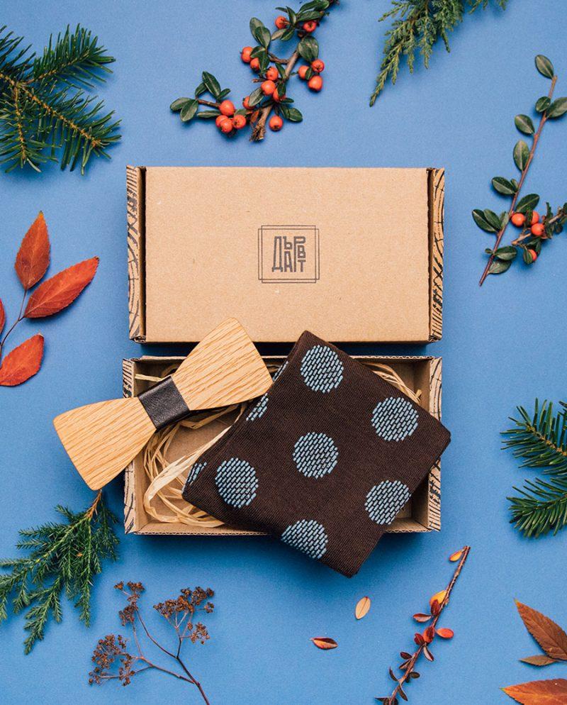 подарък комплект мъж чорапи папионка