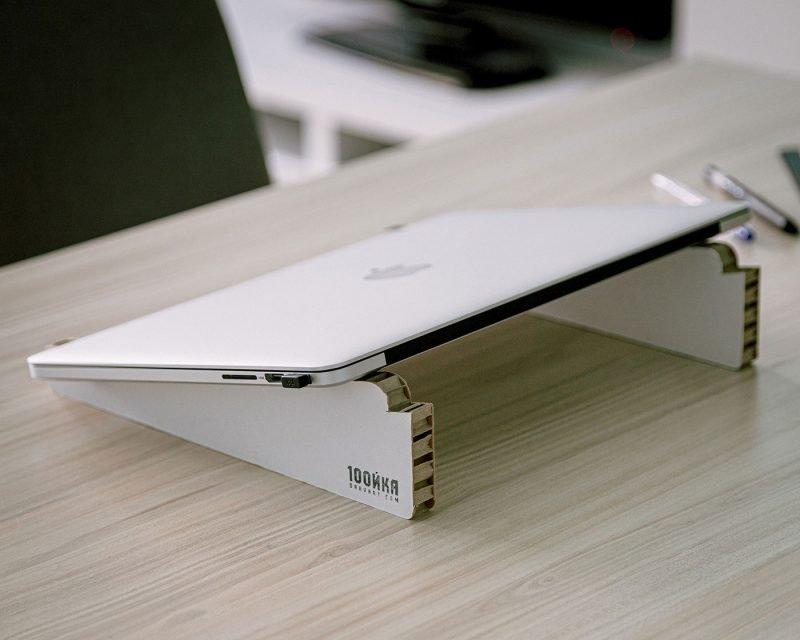 яка стойка лаптоп хартия дърварт