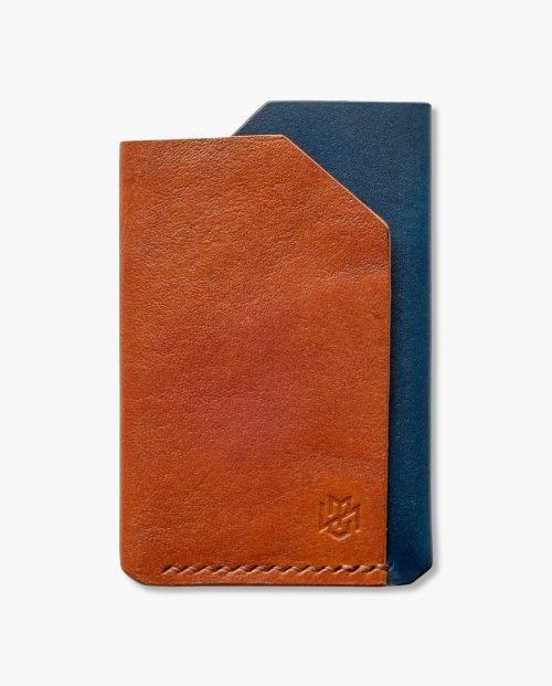 малък кафяв син портфейл кожа