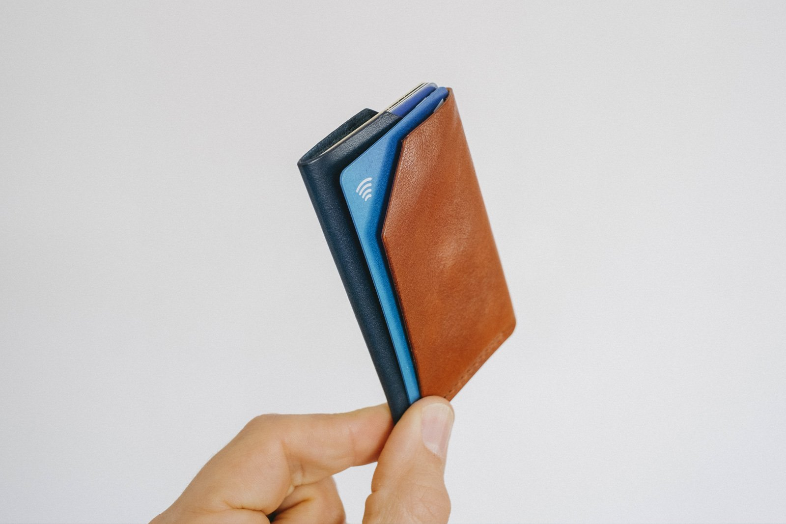 малък портфейл кафява синя кожа